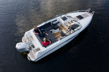 AMT 210 DC Motorboot mit 150 PS Außenborder