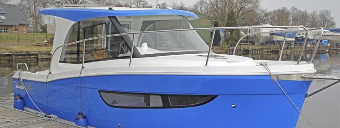 Janmor 700 - Das Motorboot Raumwunder