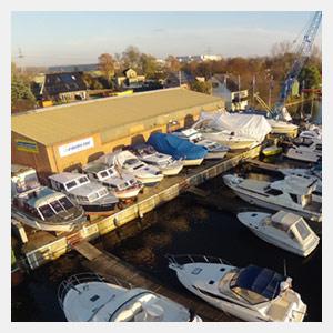 Das THALMANN Bootswinterlager an der Dove-Elbe in Hamburg