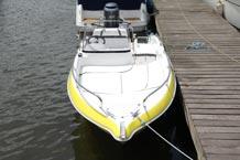 Führerscheinfreies Motorboot Bugansicht