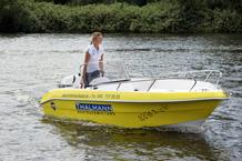 Führerscheinfreies Motorboot bis 15 PS in Hamburg an der Elbe mieten
