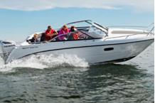 AMT 230 DC Motorboot mit 200 PS Außenborder