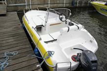 15 PS Motorboot mit viel Platz